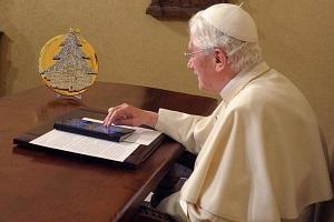 Папа Римский обещает отпускать грехи взамен за подписку на Twitter