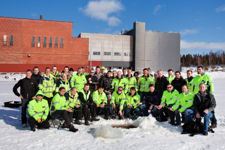 here-is-a-group-photo-of-the-hamina-team-enjoying-ice-fishing-right-outside-of-the-office-google-says-that-they-chose-hamina-because-the-town-has-the-right-combination-of-energy-infrastructure-developable-land-and-available-workfor