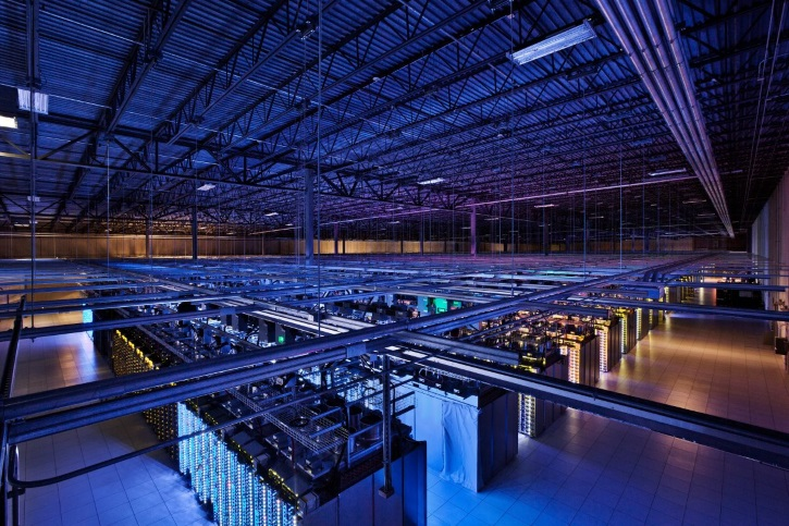 inside-the-council-bluffs-iowa-data-center-there-is-over-115000-square-feet-of-space-these-servers-allow-services-like-youtube-and-search-to-work-efficiently