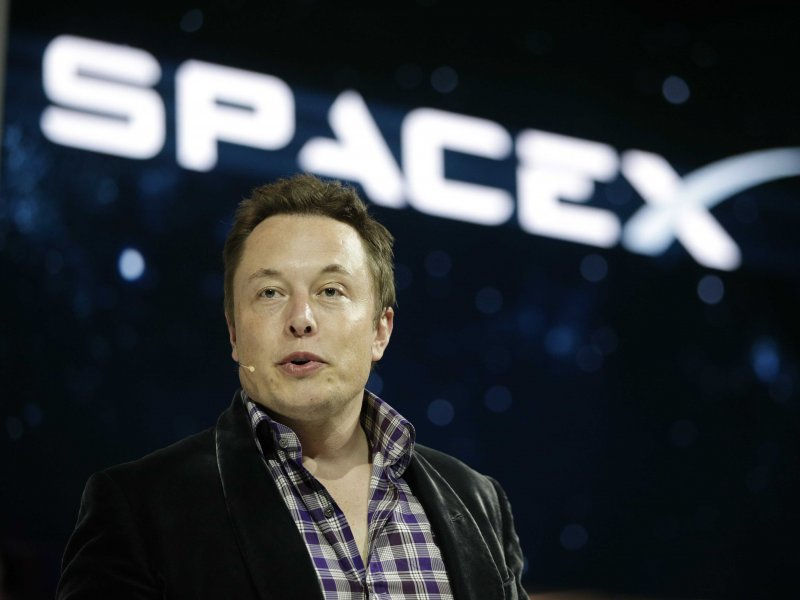 elon-musk-and-spacex-14