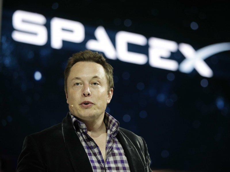 Илон Маск собирается построить космический интернет
