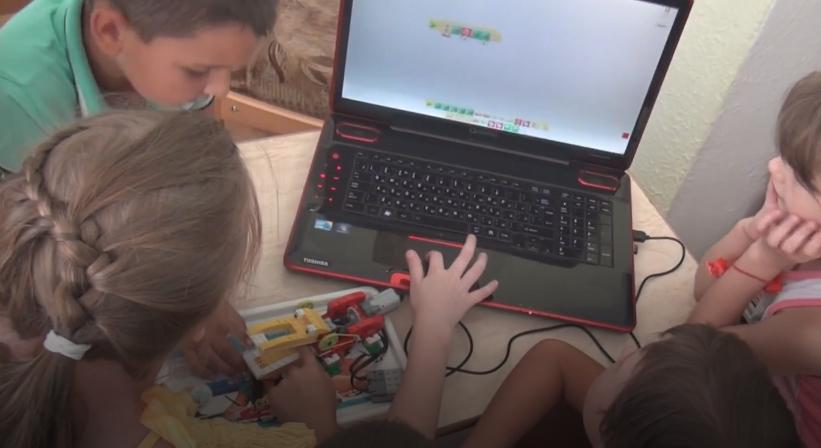 Переселенцы из Донецка собирают деньги, чтобы запустить робоклуб для детей в Ивано-Франковске