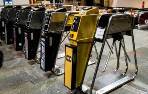 Киевский метрополитен полностью откажется от жетонов до конца 2017 года