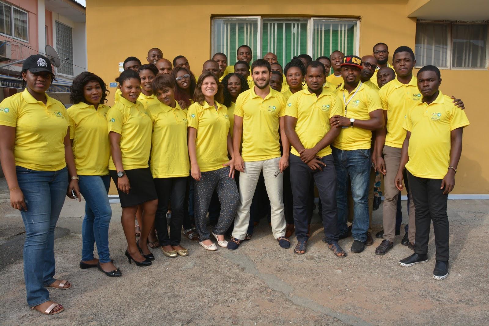 Фото нашей локальной команды с главой наших операций в Нигерии, Юлием Шенфелдом – он тоже из Украины. Сейчас там работает около 100 человек в локальных операциях.