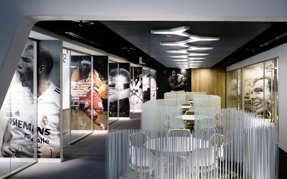 Штаб-квартира Adidas в Токио