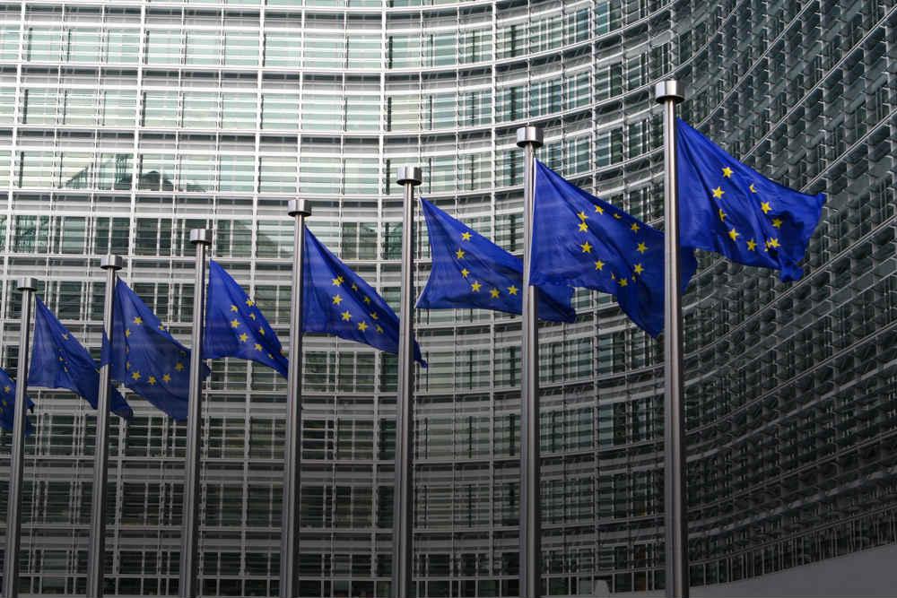 ЕС отменит роуминг внутри союза с июня 2017 года